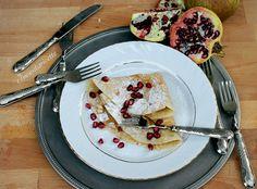 Crepe con crema al torrone, cioccolato bianco e melograno. Crepe with nougat cream, White chocolate & pomegranate