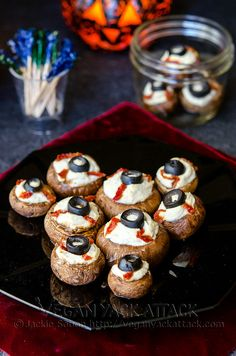 """A creepy Halloween party appetizer that tastes delicious! Stuffed Mushroom """"Eyeballs"""" filled with a garlicky tofu ricotta! Entree Halloween, Halloween Finger Foods, Halloween Party Appetizers, Healthy Halloween Treats, Halloween Food For Party, Easy Halloween, Halloween Recipe, Healthy Treats, Halloween Meals"""