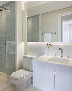 Creative Small Attic Bathroom Design Ideas Tips 124 - athomebyte Small Attic Bathroom, Bathroom Design Small, Bathroom Layout, Bathroom Interior Design, Modern Bathroom, Small Bathrooms, Bathroom Ideas, Bad Inspiration, Bathroom Inspiration