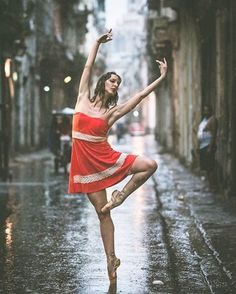 Photographer Omar Robles traveled to Cuba to capture ballet dancers practicing on the streets — and it's nothing short of spectacular…