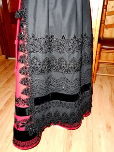 ABALORIOS Folk Costume, Costumes, Regional, Emperors New Clothes, New Outfits, Braids, Skirts, Inspiration, Barcelona