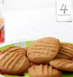 Gluten Free: 4 ingredients, crunchy peanut butter, brown sugar, cinnamon and an egg. Best Peanut Butter Brand, Peanut Butter Brands, Gluten Free Peanut Butter Cookies, Sugar Cookies Recipe, Yummy Cookies, Easy Cookie Recipes, Great Recipes, Snack Recipes, Pasta Recipes