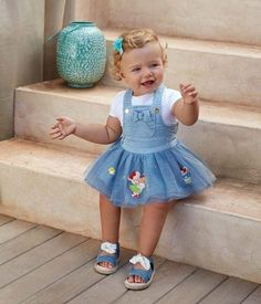 Lovely Baby Girl Clothes Winter Ideas 2018 27 - The arrival of a new born is the most welcome idea for parents. As parents you usually think of your baby and try to give him or her very best. Winter Outfits For Girls, Toddler Girl Outfits, Baby Outfits, Kids Outfits, Baby Girl Fashion, Kids Fashion, Baby Jeans, Designer Baby Clothes, Stylish Baby