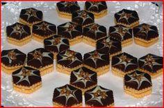 Vánoční cukroví :: Jiříkova kuchařka Mini Cupcakes, Cupcake Cakes, Diy Christmas Gifts For Friends, Czech Recipes, Sweet Desserts, Holiday Cookies, Christmas Baking, Baked Goods, Baking Recipes