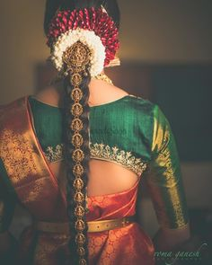 South Indian Blouse Designs for a Royal Bridal Look South Indian Wedding Hairstyles, Bridal Hairstyle Indian Wedding, South Indian Bride Hairstyle, Bridal Hair Buns, Bridal Hairdo, Indian Bridal Fashion, Indian Hairstyles, Cool Hairstyles, Wedding Updo