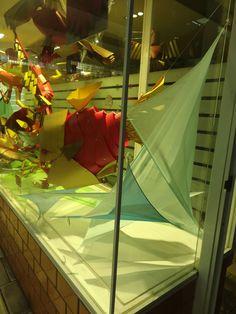 Montaje vitrina ExpoCYAD. Sistemas de Diseño, UAM Azcapotzalco, dic 2015. Exposición: Phylum Contentionum