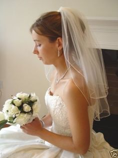 WHITE-VEIL-with-SWAROVSKI-CLEAR-CRYSTALS-20-25-UK-WEDDING-PEARL-EARRINGS