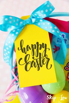 Hip hop hooray, these Easter baskets featuring @SweeTARTS Soft Bites Bunnies and FREE Easter Printable Gift Tags are more than just the perfect gift, they're adorable and easy to make. #skiptomyloublog #easter #ad