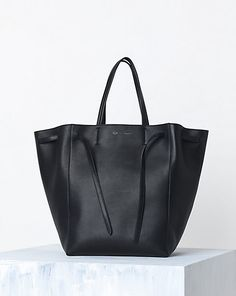 1486b2eca4 Celine Cabas Phantom handbag in Supple Calfskin Black
