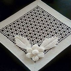 Delight yourself: The beautiful crochet details on the tablecloth - Beautiful Crochet Delight details tablecloth - Style Filet Crochet, Pouf En Crochet, Beau Crochet, Crochet Doily Rug, Crochet Patron, Crochet Motifs, Crochet Squares, Irish Crochet, Crochet Stitches