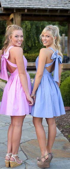 Fantastic Taffeta V-neck Neckline Short A-line Bridesmaid Dresses With Bowknot