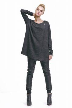 Elegantný dámsky čierny sveter značky LADY M. www.avous.sk/novinky