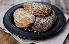 Fazer Puikula -perheeseen kuuluu neljä makuvarianttia. Rukiin aito maku perustuu perinteiseen taikinajuureen. Kaura on pehmeän lempeä makuelämys. Myslissä maistuu runsas määrä jyviä ja siemeniä. Bread, Cookies, Chocolate, Desserts, Food, Crack Crackers, Tailgate Desserts, Deserts, Brot