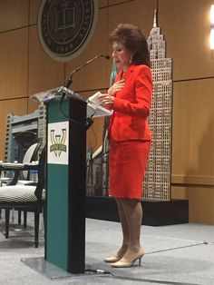 """The amazing, inspiring Florine Mark moderating our Wayne State Reach Out. #waynestate #detroit #Michigan  #mba #c200"""