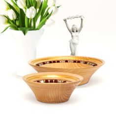 Handcrafted from high quality Pine wood, decorated with pure Gold and radiant Crystals, this exclusive piece of luxury dinnerware offers truly unique dining experience. Gold Gilding, Everyday Items, Crystals And Gemstones, Luxury Interior, Natural Wood, Serving Bowls, Dinnerware, Decorative Bowls, Smooth