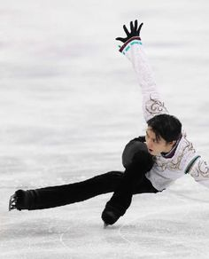 Ice Skating, Figure Skating, Yuzuru Hanyu, Olympic Champion, Living Legends, Light Of My Life, Pose Reference, Olympics, Skate