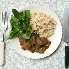 A traditional old world meal with beef liver and a sour wine sauce. Get your vitamins and minerals from this delicious liver recipe! Sauce Recipes, Beef Recipes, German Recipes, Fast Recipes, Cookbook Recipes, Liver Recipes, Beef Liver, Recipe Directions, Wine Sauce
