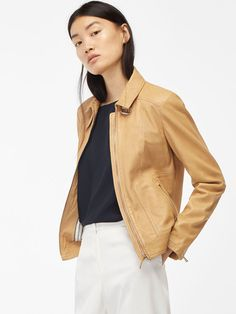 Autumn winter 2016 Women´s NAPPA JACKET WITH TAB DETAIL at Massimo Dutti for 150. Effortless elegance!