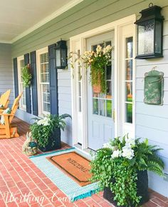 31 Fascinating Spring Porch Decor Ideas With Farmhouse Style - The initial thing your guests see when calling is likely the front porch; the foremost way to produce a lively welcome during the springtime is with a. Modern Farmhouse Porch, Farmhouse Front, Farmhouse Design, Farmhouse Style, Farmhouse Blogs, French Country Porch, Farmhouse Bench, Farmhouse Ideas, Front Porch Planters