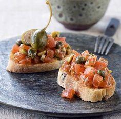 Tomatentartaar met citroen, kappers en olijven Garnituur bij kabeljauw en asperges voor Fissler menu