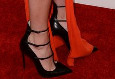 """Kendall Jenner Shows Off Long Legs in """"Toerless Muse"""" Pumps"""