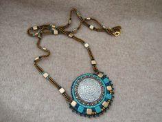 tila bead pendant and chain - wydziergane nocą: Guziki też się przydadzą,...