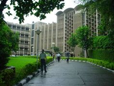 Education News: Indian Institute of Technology Bombay has for the first time emerged as India's leading university in the world university rankings. University Rankings, World University, Engineering Colleges In India, Engineering Programs, India Breaking News, Top Colleges, Chemical Engineering, Times Of India, In Mumbai