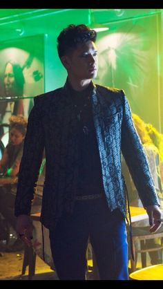 Apologies for all the Magnus pins non Mortal Instruments fans. But I ADORE this character, hence I must pin! ;)