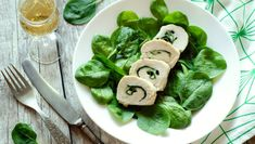 Kuracie prsia plnené špenátom Sushi, Ethnic Recipes, Food, Meal, Essen, Hoods, Meals, Eten
