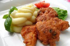 Šťavnaté kuřecí prsíčka Hellmann 's. Podáváme s bramborovou kaší.