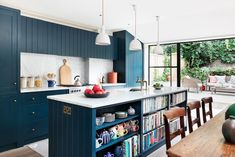 ground flooring Ground floor flat of a Victorian terrace renovation by the designer Sarah Peake Built In Bookcase, Built In Storage, Victorian Terrace, Victorian Homes, Home Bar Areas, Colorful Apartment, Kitchen Knobs, Open Plan Kitchen, Kitchen Ideas