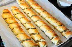 paszteciki_5133 Slow Cooking, Cooking Recipes, Food Design, Savoury Finger Food, Xmas Food, Polish Recipes, Quick Recipes, Pasta Dishes, Hot Dog Buns