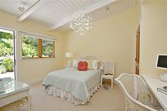 Sweet bedroom for a teen or tween girl