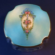 Vintage Sterling & Blue Guilloche Enamel Powder Vanity Dresser Jar Box Hand Painted Roses & Ribbon Bow Vintage Items, Vintage Jewelry, Vintage Purses, Vintage Handbags, Vanity Box, Vanity Cases, Bleu Pale, Painted Roses, Hand Painted