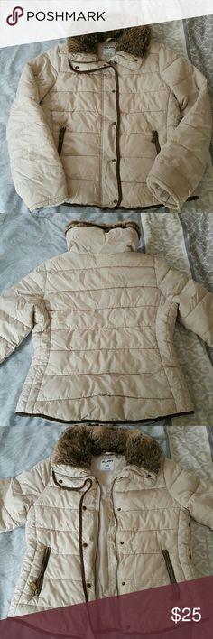 Old Navy Coat Women's coat. Very warm. Old Navy Jackets & Coats Puffers