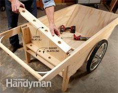 This DIY garden cart carries more than a wheelbarrow, easier to load and carries larger loads. We'll show you how to build it. Outdoor Projects, Garden Projects, Outdoor Ideas, Wood Projects, Best Garden Tools, Gardening Tools, Organic Gardening, Gardening Services, Urban Gardening