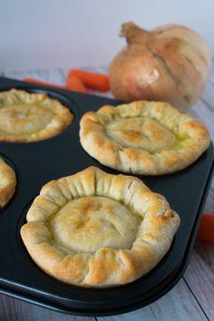Muffin Tin Chicken Pot Pies Gourmet Recipes, Cooking Recipes, Easy Recipes, Pie Recipes, Dinner Recipes, Mini Pot Pies, Muffins, Muffin Tin Recipes, Muffin Tins