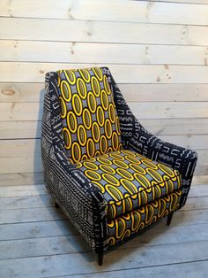 Funky Chic: African Print Furniture & Fashion via: ZUVALifeCulture Baby Furniture Sets, Funky Furniture, Cheap Furniture, Furniture Design, Furniture Market, Furniture Upholstery, Furniture Stores, Custom Furniture, African Interior Design