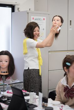 【ヴィーナスアカデミー】高等部1年生・目指せ合格! 日本メイクアップ技術検定3級試験対策授業