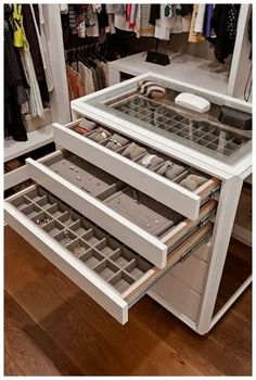 trendy walk in closet island jewelry storage Walk In Closet Design, Bedroom Closet Design, Master Bedroom Closet, Closet Designs, Master Bathroom, Closet Rooms, Master Room Design, Pax Closet, Custom Closet Design