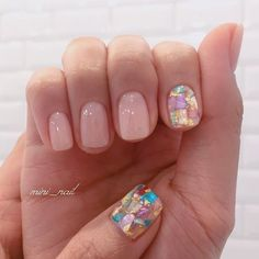 The advantage of the gel is that it allows you to enjoy your French manicure for a long time. There are four different ways to make a French manicure on gel nails. The choice depends on the experience of the nail stylist… Continue Reading → Shellac Nails, Gold Nails, Pink Nails, My Nails, Gel Manicure, Cute Nails, Pretty Nails, Minimalist Nails, Stylish Nails