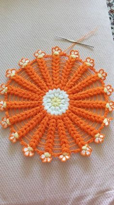 Crochet Mandala, Crochet Motif, Diy Crochet, Crochet Crafts, Crochet Flowers, Crochet Stitches, Crochet Baby, Crochet Projects, Diy Crafts