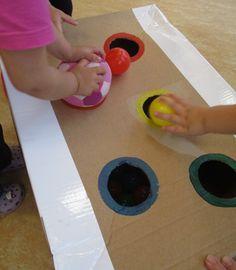 Faszination Ball   Bälle sind eines der beliebtesten Spielgeräte in der Krippe und unterstützen die kindliche Entwicklung. Motorik, Wahrnehm...