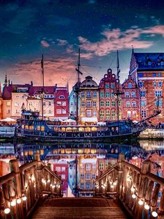 Danzig, Places To Travel, Places To Go, Cruise Tips Royal Caribbean, Gdansk Poland, Last Minute Travel, Fantasy Places, Beautiful Places To Visit, Wonderful Places
