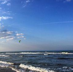 #Rimini #mare #maggio #kytessurfing #kiteaurf #waves #sea #italy #italia #skyporn #sky #cielo #clouds #nuvole #cloudporn #spiaggia #beach #beachporn by decimax82
