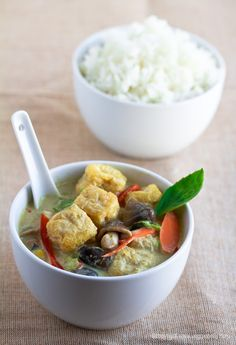 """Thai curry is one of my all-time favourite dishes, but now...""""Look, Ma, ...NO FISH SAUCE!!"""" Easy Thai Green Curry (Gaeng Keow Wan)"""
