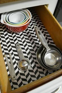 dollar store hacks that are so clever – chasing foxes – diy kitchen decor dollar stores Organisation Hacks, Organizing Hacks, Kitchen Drawer Organization, Diy Kitchen Storage, Diy Storage, Kitchen Organization, Kitchen Drawers, Pantry Storage, Storage Ideas