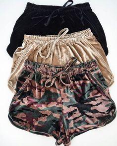 Sporty Outfits – (notitle) – Looks Magazine Sporty Outfits, Mode Outfits, Summer Outfits, Fashion Outfits, Summer Dresses, Fashion 2018, Womens Fashion Online, Latest Fashion For Women, Velvet Shorts