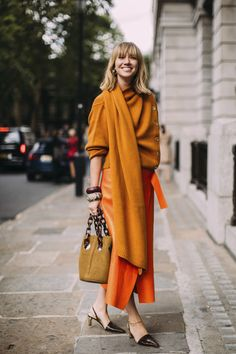 Street style london 235594624242957668 - 8 Street Style Trends We Spotted at Fashion Week to Copy STAT Source by thefashionspot Street Style Trends, Look Street Style, Street Styles, Cool Street Fashion, Look Fashion, Autumn Fashion, Fashion Outfits, Fashion Trends, Spring Fashion