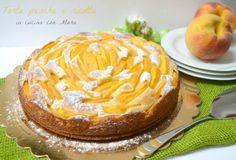 La torta pesche e ricotta è una torta soffice, grazie alla presenza di ricotta nell'impasto, che non contiene grassi aggiunti ideale per colazione o merenda